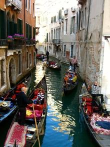 gondola-venice4.jpg