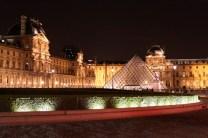 louvre_night_Paris.jpg