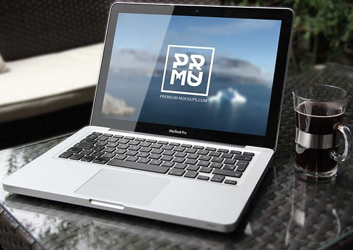 Free PSD Mabook Mockup Download