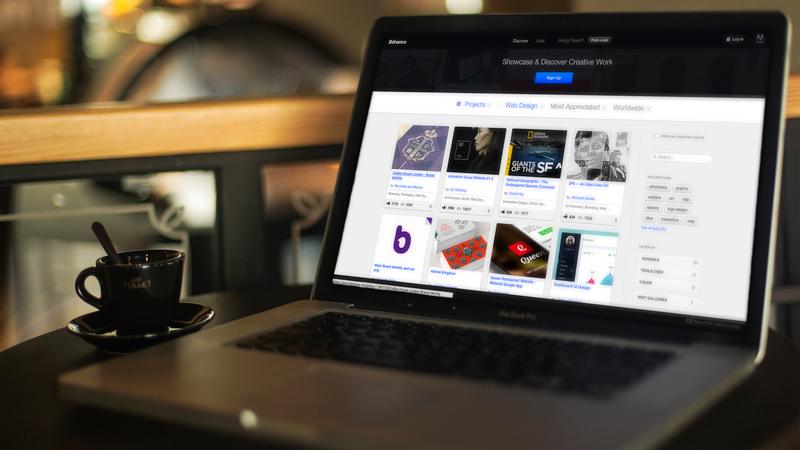 5 free MacBook Pro photo realistic mockup