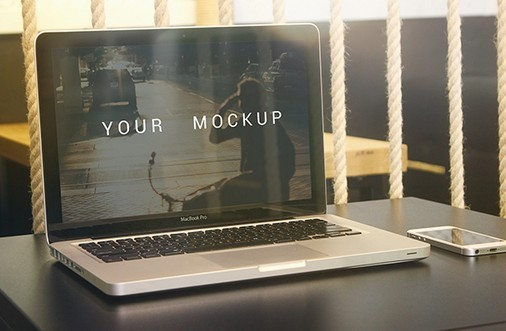 Free MacBooK Pro mockup download