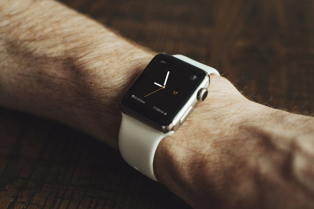 Apple Watch Mock-Up PSD Freebie