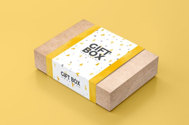 Free Craft Paper Gift Box Mockup PSD