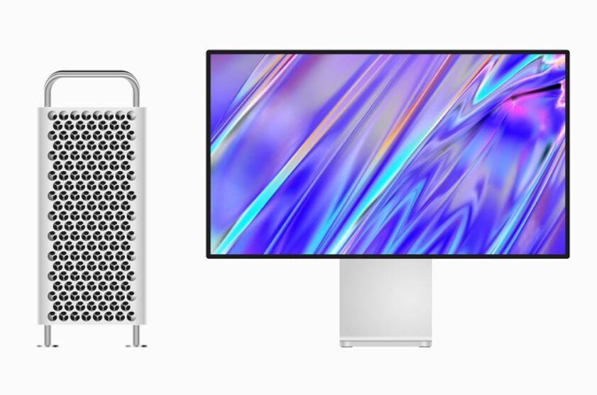 Free Mac Pro Mockup Vector