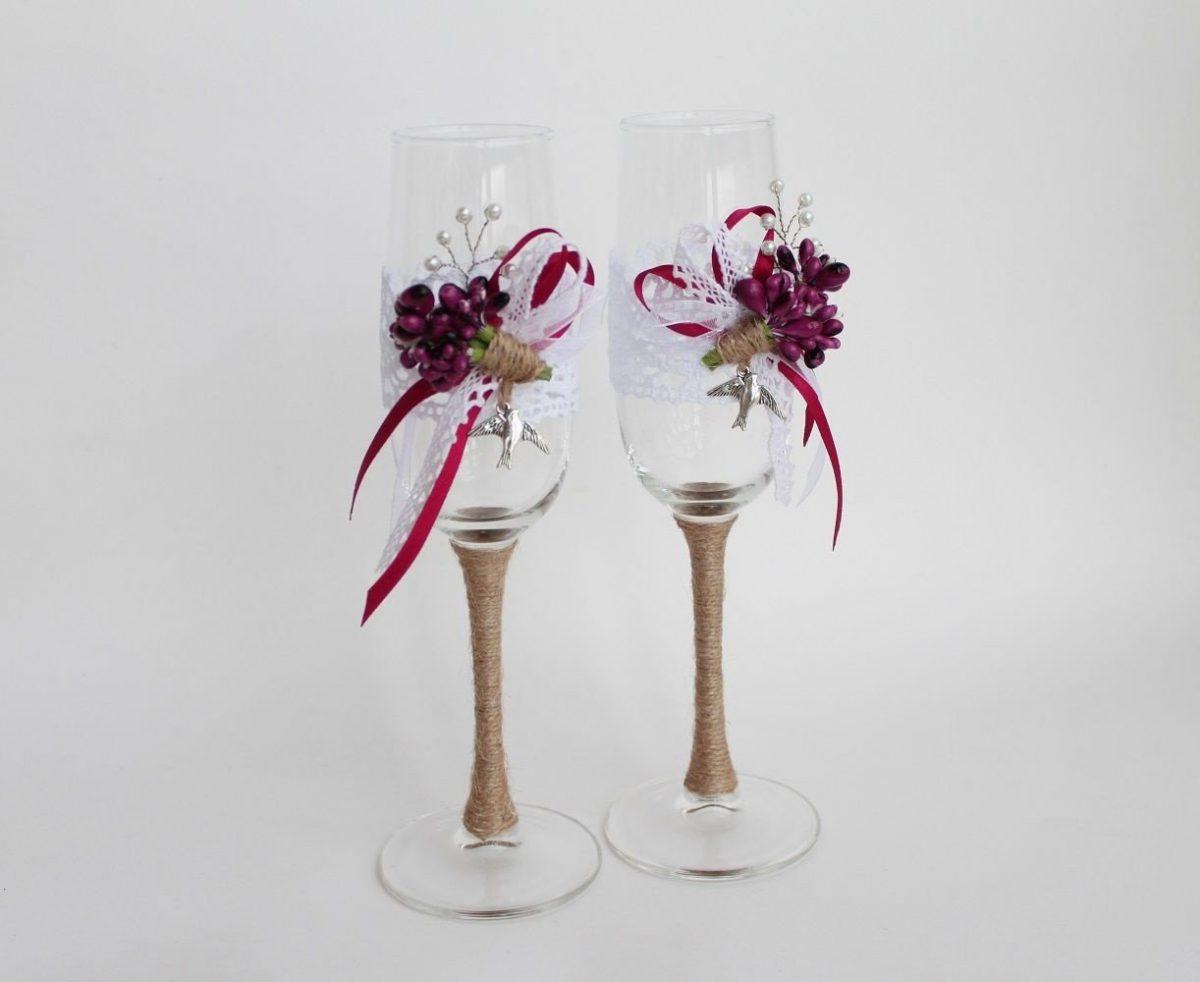 Dekorasi Meja Dengan Warna Marsala Pernikahan Mewah Dengan