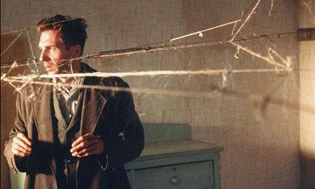 Still from Spider (2002)