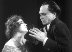 Still from The Hands of Orlac (1924)