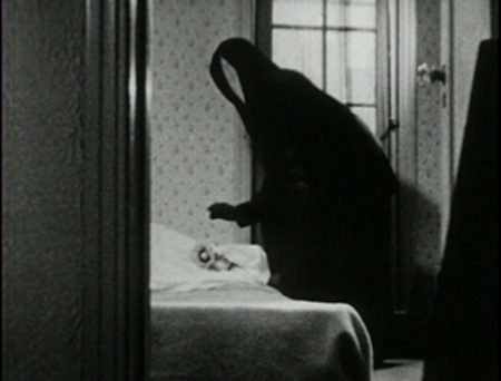 Still from Meshes of the Afternoon (1943)