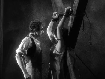 Still from Murders in the Rue Morgue (1932)