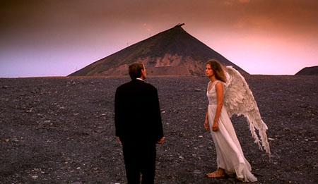 Still from Angelus (2000)