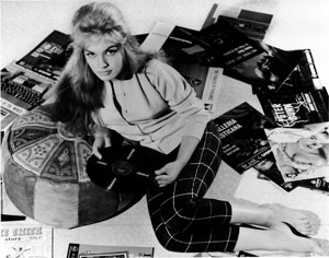 Still from Beat Girl (1960)