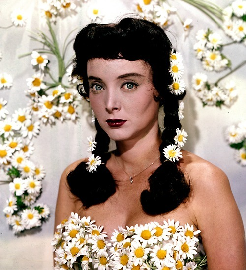Carolyn Jones. After Elvis, but before Morticia.