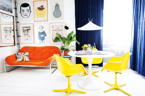 myidealhome:  virbant colors and fine art(viaHomelife / ph. Jenny Brandt, st. Kicki Wieslander / Virginia Jen)