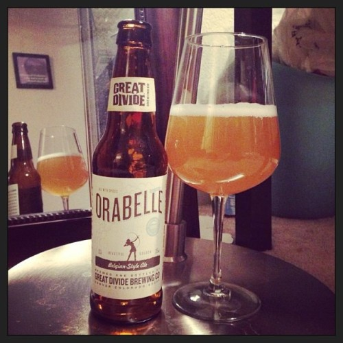 Orabelle is a delish Belgian from @greatdividebrew Tastes like oranges and coriander. Really drinkable but will definitely get you buzzed at 8.3% ABV. It was the perfect way to start the night. #drinkandspoon #drinkup #craftbeer #craftbeercommunity #orabelle #greatdivide #food