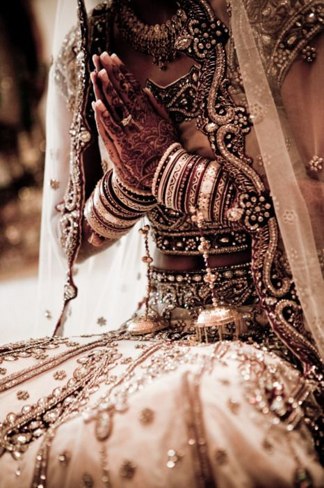 sekigan:</p><br /><br /> <p>Indian Bride | Brides | Pinterest