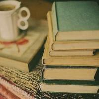 Цитати од писатели кои ја доловуваат магијата на читањето!