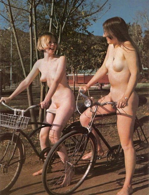 Nude cycling, so cool. They should be wearing helmets, sayeth the safety dweeb.