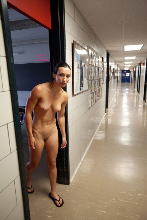 Attractive Nude Female Strippers Gif
