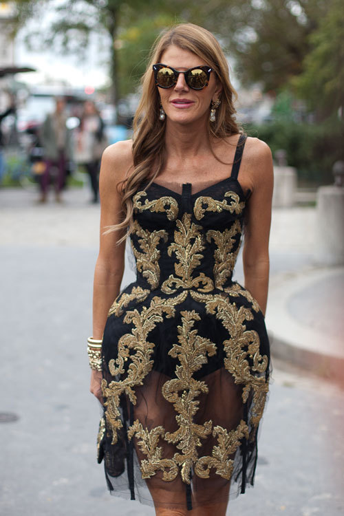 parasoli:  Anna Dello Russo feel most at home in embroidered gold during Paris Fashion Week (image: harpersbazaar)