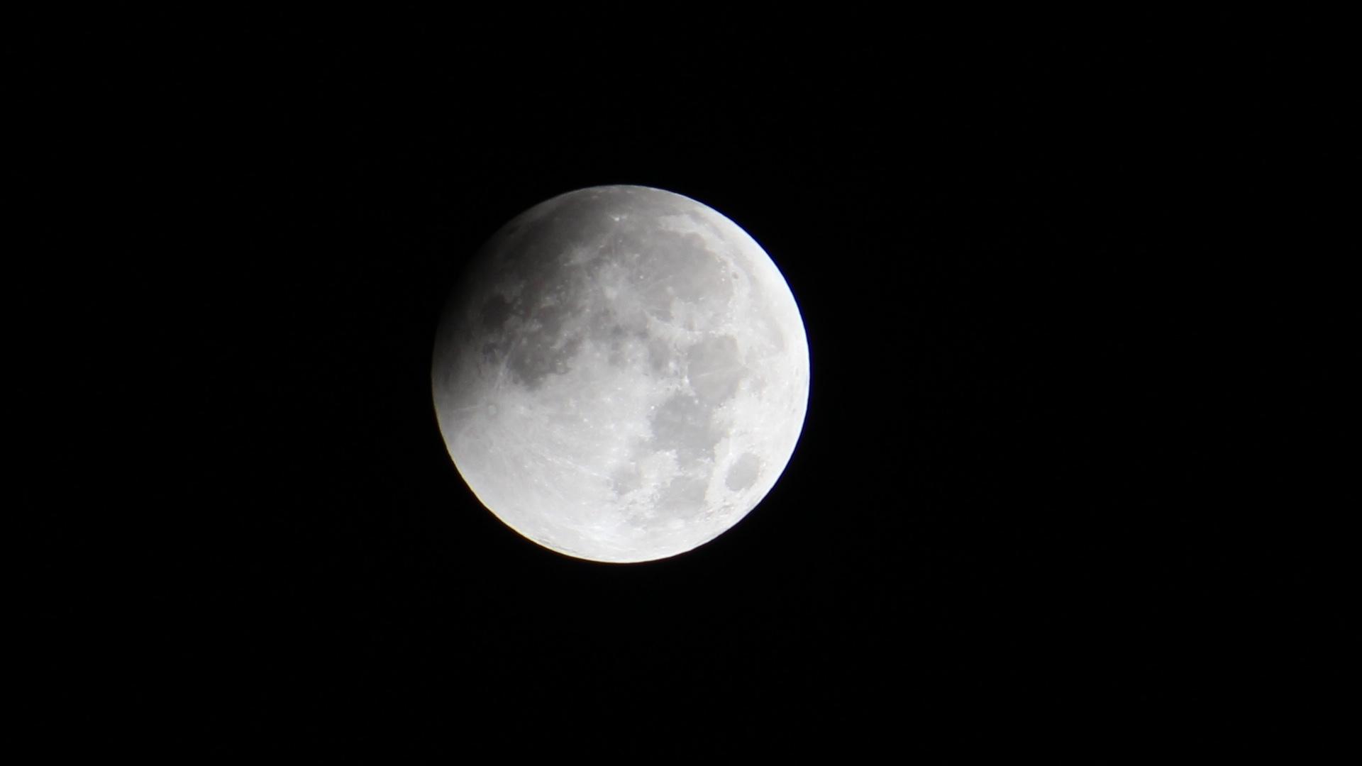 Lunar Eclipse 20141008 1