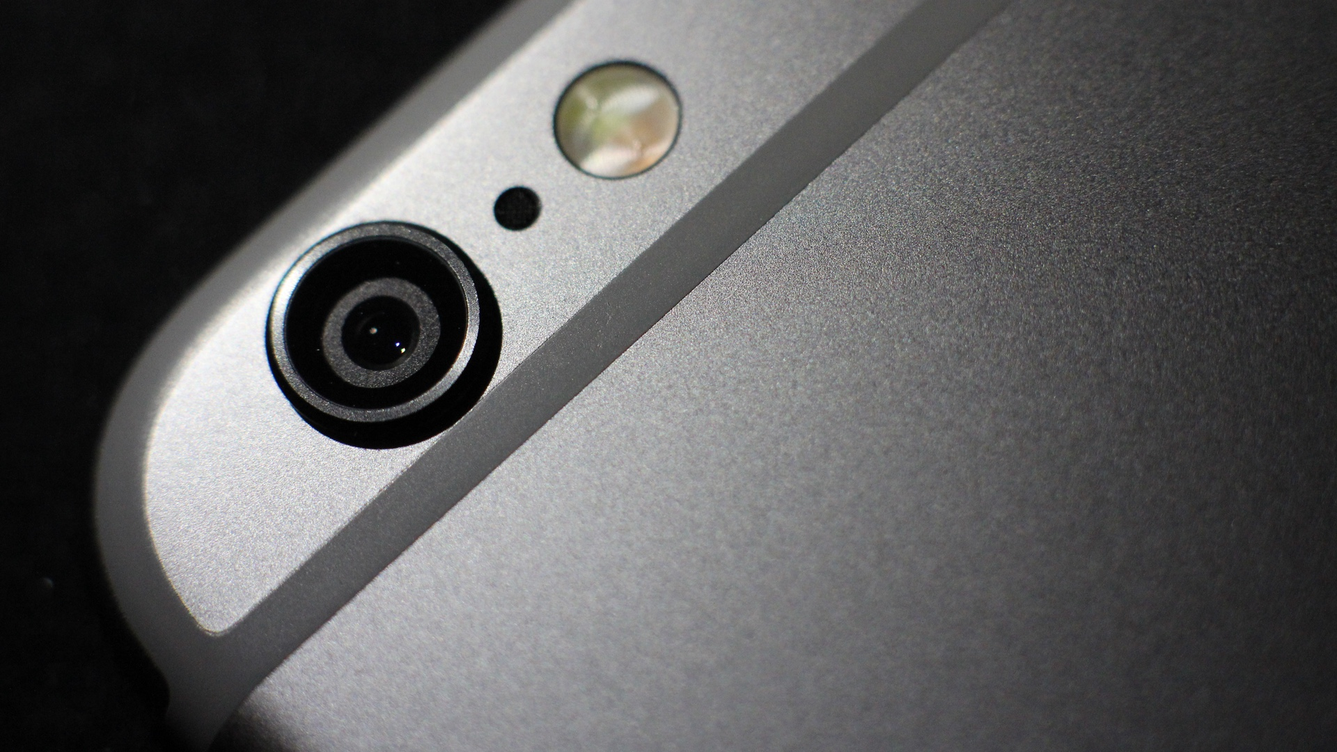 iPhone 6 Protruding Camera Lens