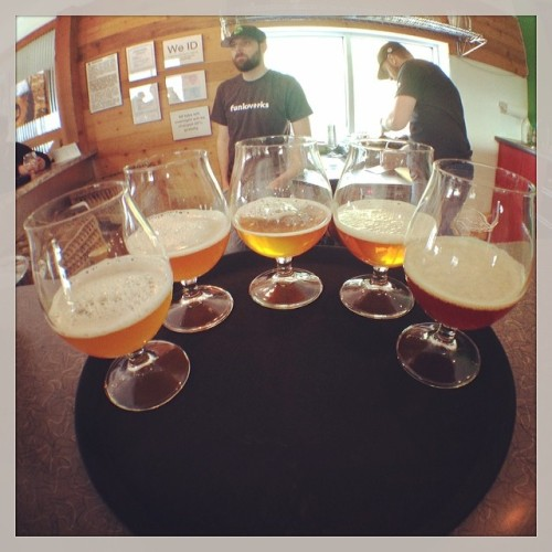 Catching a flight at Funkwerks. Drinking some award winners : Saison, Tropic King, Brett Trois, Quad, Solenna #drinkandspoon #craftbeer #craftbeercommunity #instabeer #beernerd #beer #alcohol #beerporn #funkwerks #brewery