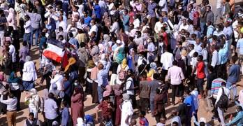 الإنقاذ تكشف عن آخر خططها الرصاص الحي في الخرطوم وهارون يشارك في القمع بالابيض