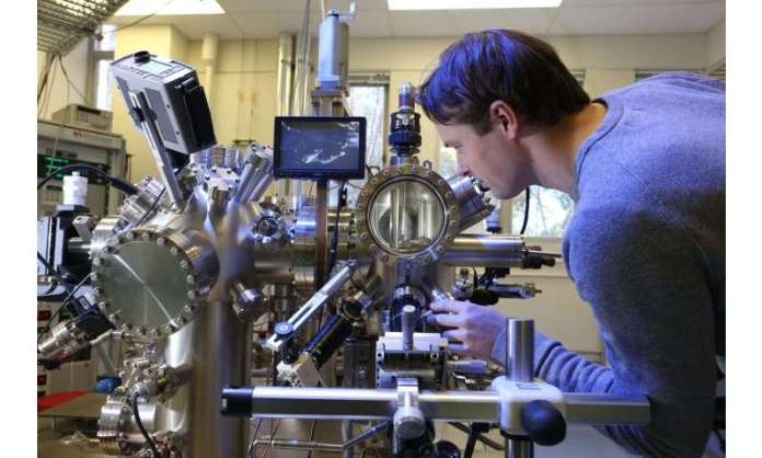 Tuning into quantum: Scientists unlock signal frequency control of precision atom qubits