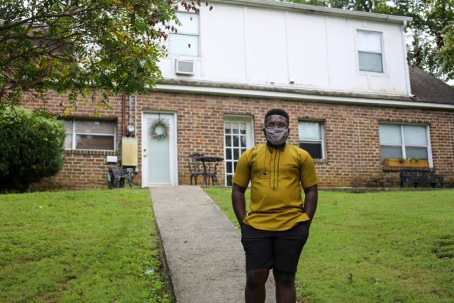 Sunny Ikojoh, who serves as minister of hospitality for Welcome House Knoxville, came to the US from Nigeria in 2015 to attend seminary. The Welcome House facility is a former missionary guest house that the ministry rents from a local church to provide short-term housing for refugees. WMU photo by Pam Henderson