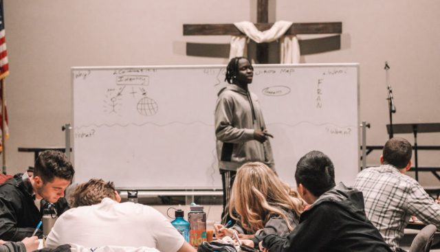 A Clarkston International Bible Church staff member leads NOBTS students in 3 Circles Evangelism training.