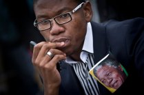 Mandela Mourned4
