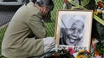 Mandela mourning 41