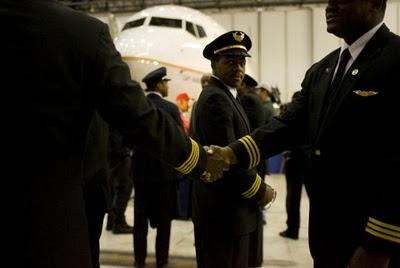 capt marlon green b737 continental black flight crew members iah