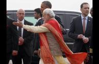 PM narendramodi greets Potus33