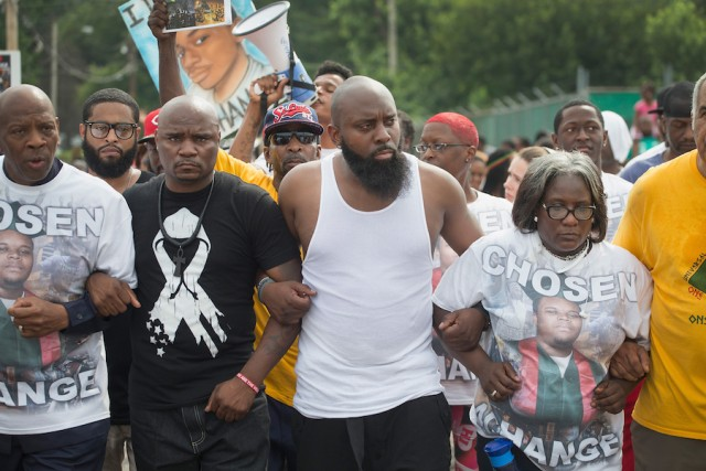 Mike-Brown-One-Year-Anniversary-4-640x427