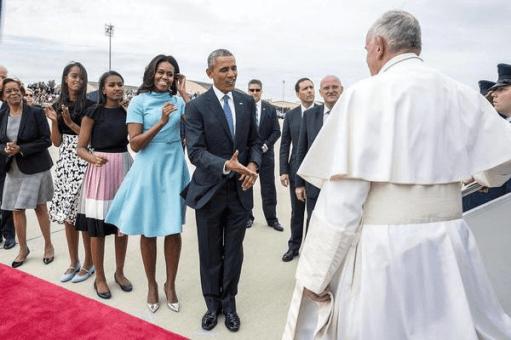 Malia and Sasha meet the Pope 9