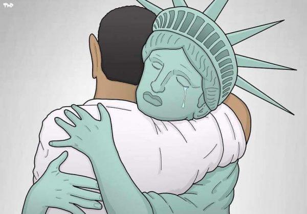 lady-liberty-hugs-potus