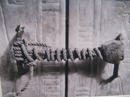 Archaeologist Howard Carter took this photo in 1922, just before he unearthed the mummified corpse of King Tutankhamun, which had stayed untouched for 3245 years.