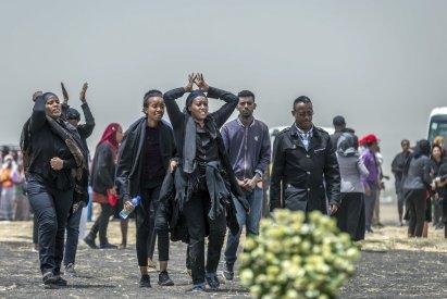 Ethiopians mourn crash victims 2