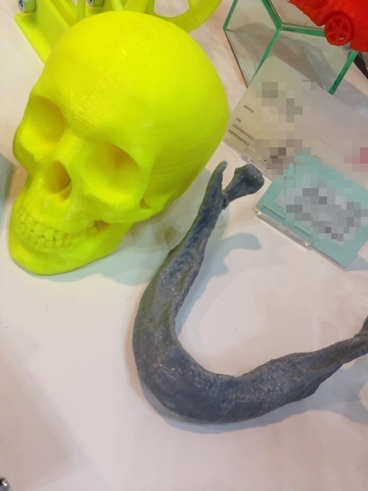 先日開催された「ナノ・マイクロ ビジネス展」にてBS01で造形した造形物を展示してもらったよ!