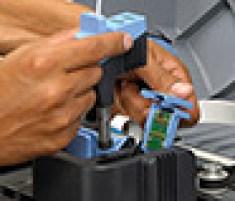Замена частей в 3D-принтере Mojo занимает всего пару минут
