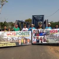 Grupo de moradores de Epitaciolândia e Brasileia protestam solicitando a construção de ponte