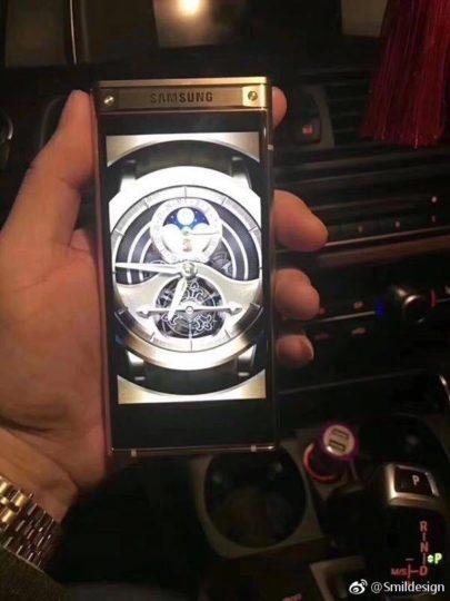 sm1 Мощный смартфон-раскладушка Samsung предстал на «живых» фото