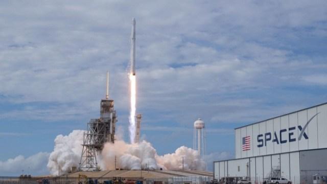 sm.VN3HJSWVRNHKTKNMJ7KCJDCYW4.750 В декабре SpaceX доставит груз на МКС на ранее использовавшейся ракете Falcon 9
