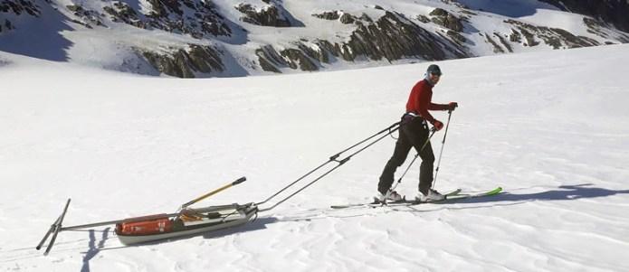 Вместо десятков килограмм аппаратуры лёгкий кабель и инструмент для работы с ним (Institute of Geophysics / VAW / ETH Zurich)
