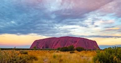 Uluru o zachodzie słońca