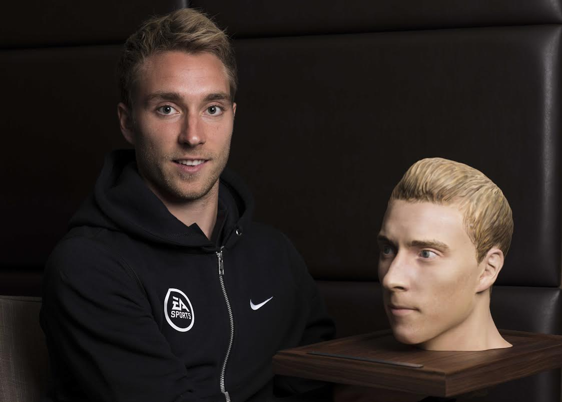 Tottenham Hotspur player Christian Eriksen and his 3D printed head.