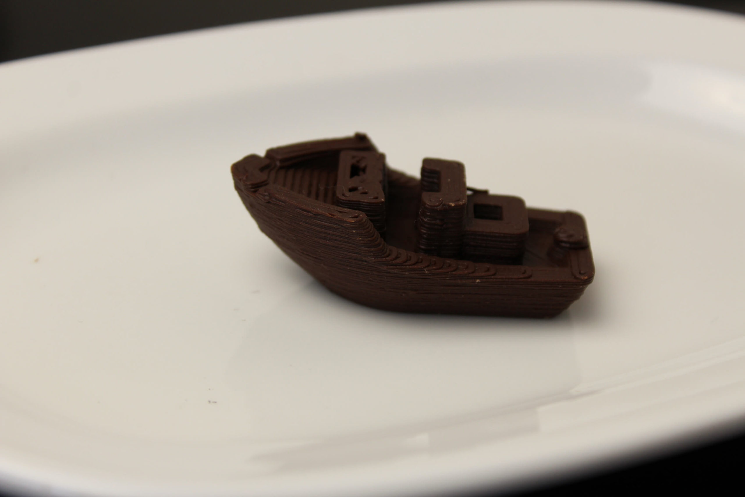 3D-Benchy-printed-on-Mycusini-Chocolate-3D-Printer-2