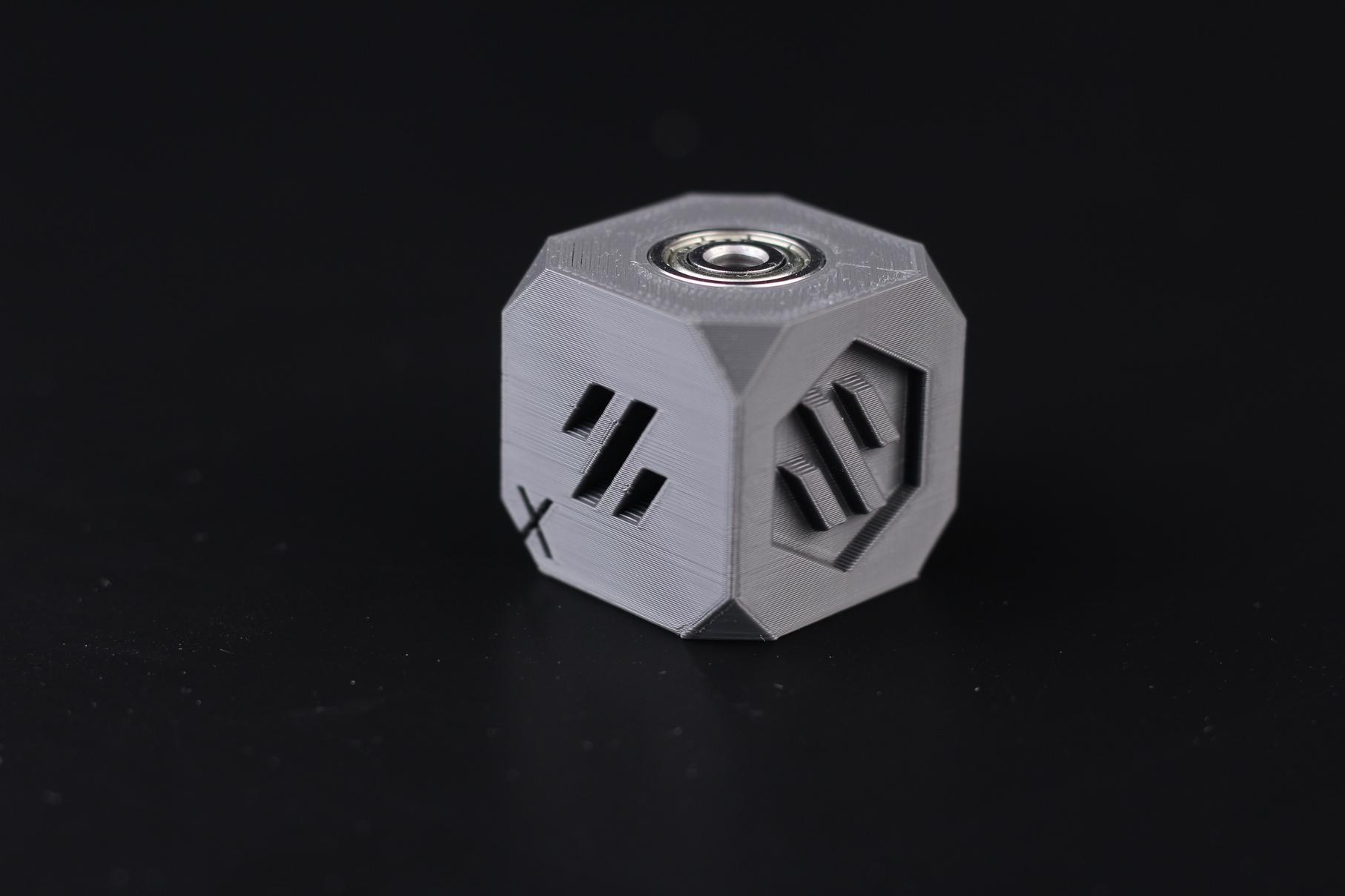 Voron-Cube-printed-on-Ender-3-Max-5