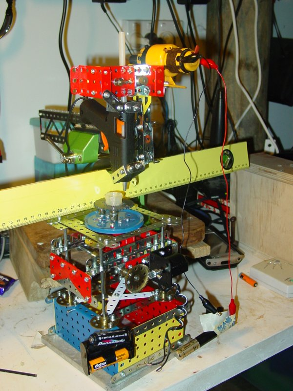 Vik Olliver's Meccano 3D printer. Photo via Vik Olliver.